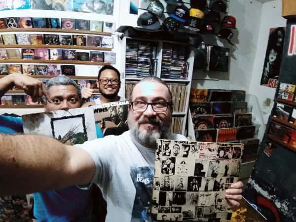 O ator Paulo Rodriguez, Ricardo Miura ao centro e Glaucio Machado à direita